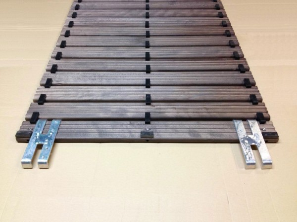 Safety wooden grating - 3 row nitrile rubber footrest