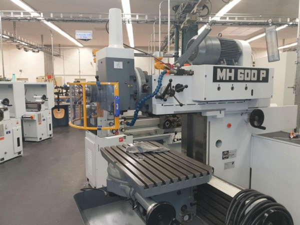 Drehmaschine-MH600-TF-Monatge-von-Schutzeinrichtungen